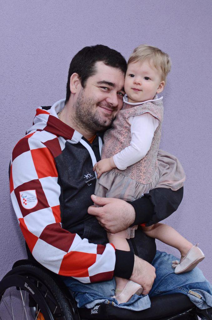 Pitajmamu Dino Sokolović i Vita Slika1