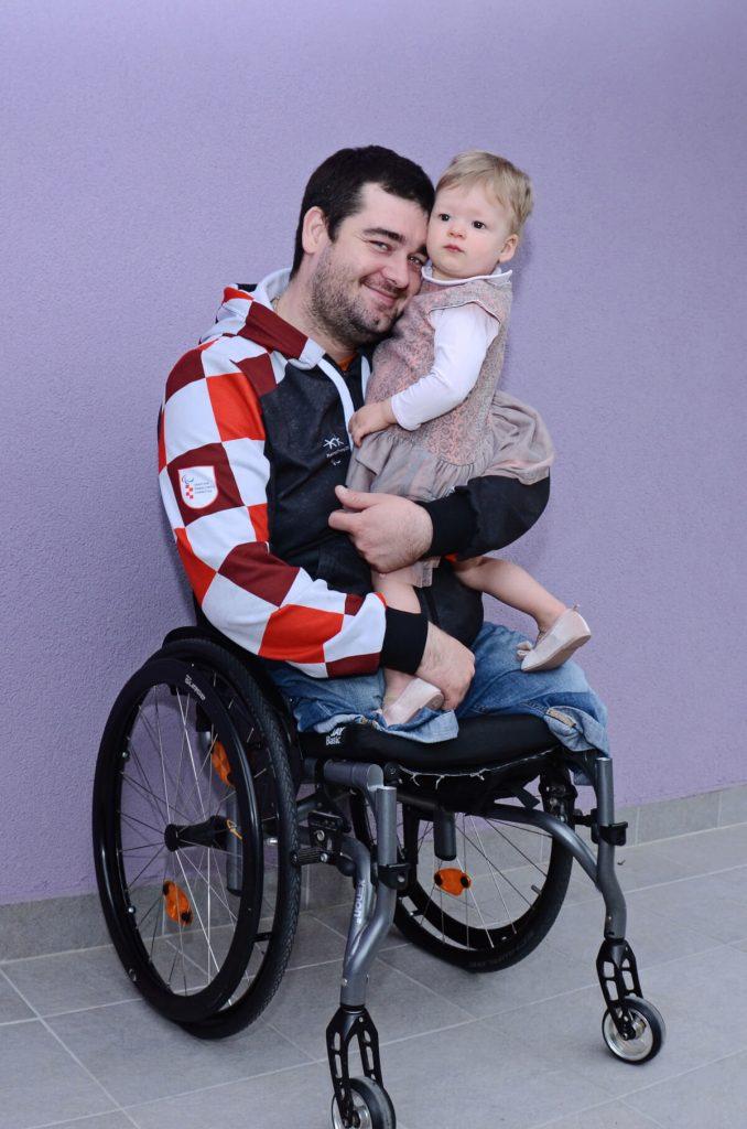 Pitajmamu Dino Sokolović i Vita Slika2