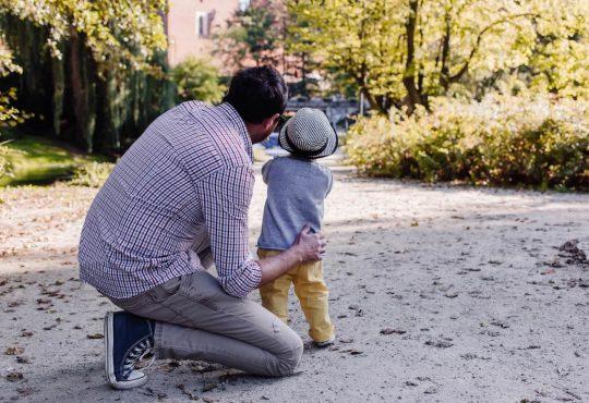 Pitajmamu Tata Je Potpora Kad Dijete Zadirkuju