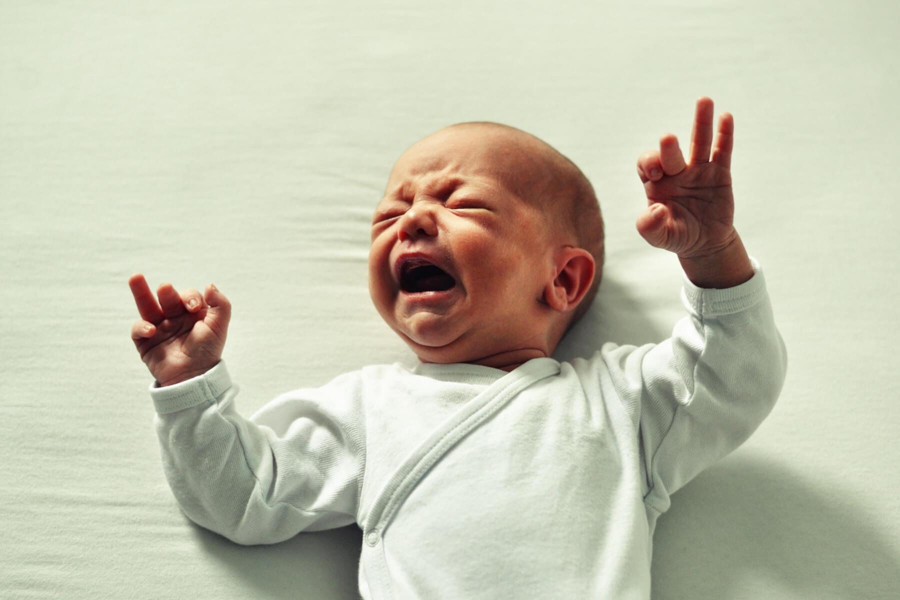 skokovi u razvoju, plač, beba