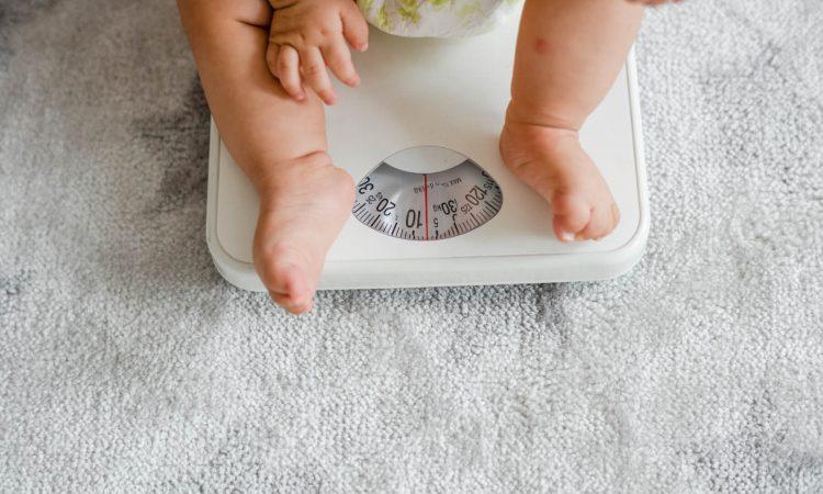pitajmamu-dobivanje-na-tezini-kod-beba
